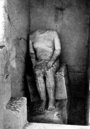 Sitting statue of Hem-iunu at its excavation